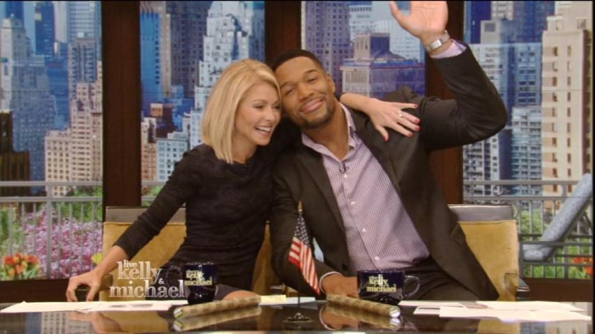 "Michael Strahan Says Goodbye to ""Live!"""