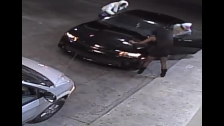 Woman Fights Off Potential Car Stealers at Atlanta Gas Station