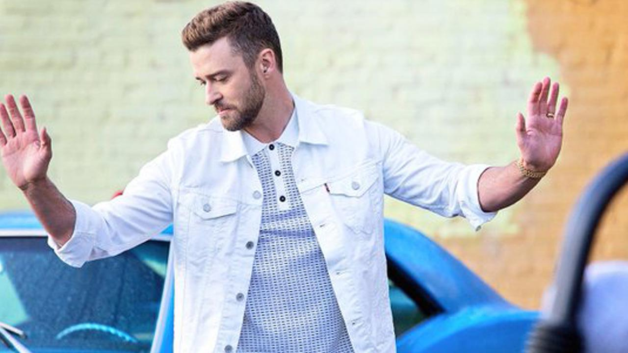"Justin Timberlake Shows Off Dance Moves in New ""Can't Stop The Feeling"" Official"