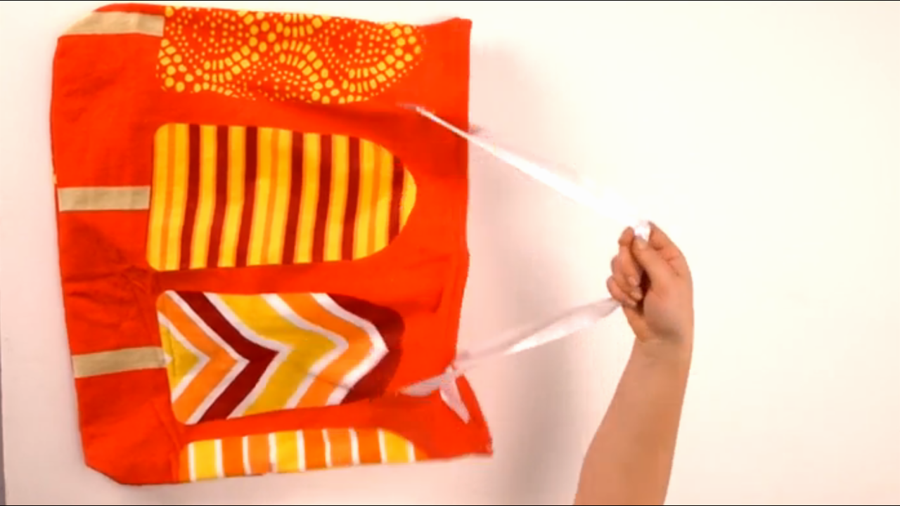 How to Turn a Towel into a Beach Bag