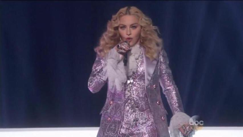 "Madonna Performs ""Nothing Compares 2 U"" in Her Prince Tribute at the Billboard Music Awards"