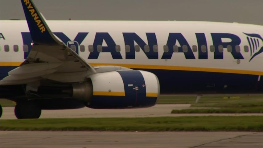 Fare war looms as Ryanair cuts prices