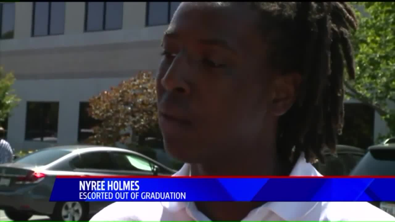 High School Senior Kicked Out of Graduation for Wearing Traditional African Cloth