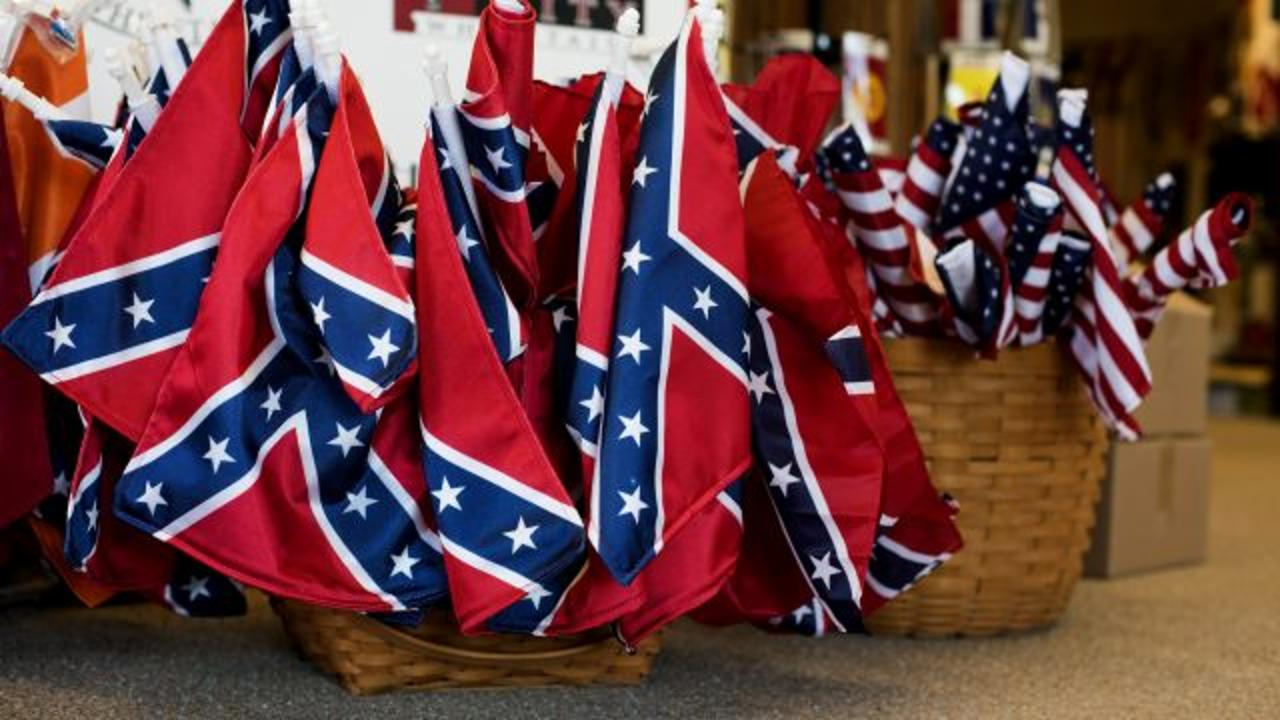 Activist Wants People to Burn Confederate Flags for Memorial Day