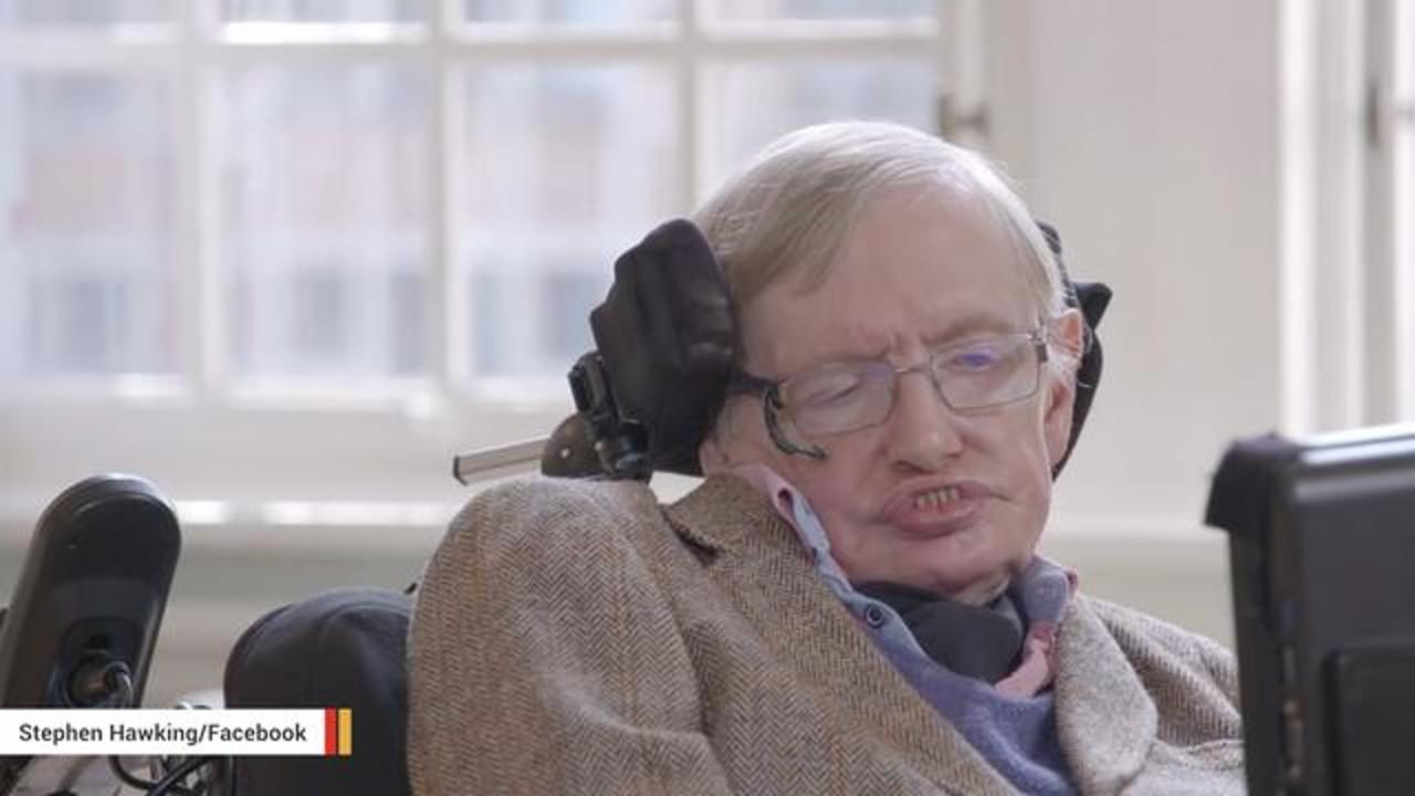 Stephen Hawking Admits Even He Doesn't Understand Trump's Popularity