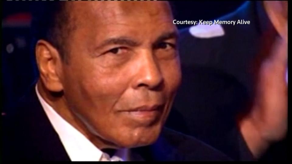 Boxing great Muhammad Ali dies