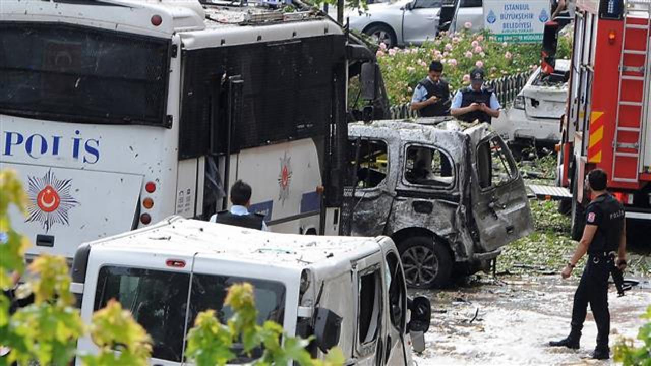 Police Targeted in Deadly Istanbul Bomb Blast