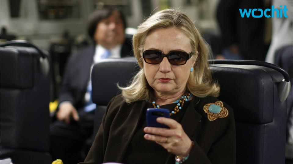 Infamous Clinton BlackBerry Photo Led to Email Investigation