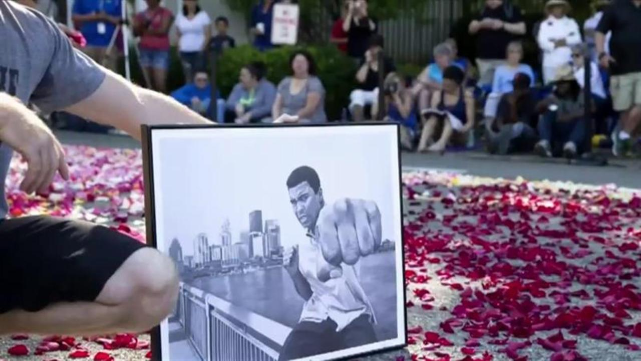 Muhammad Ali Memorial: Thousands Gather to Mourn 'The Greatest'