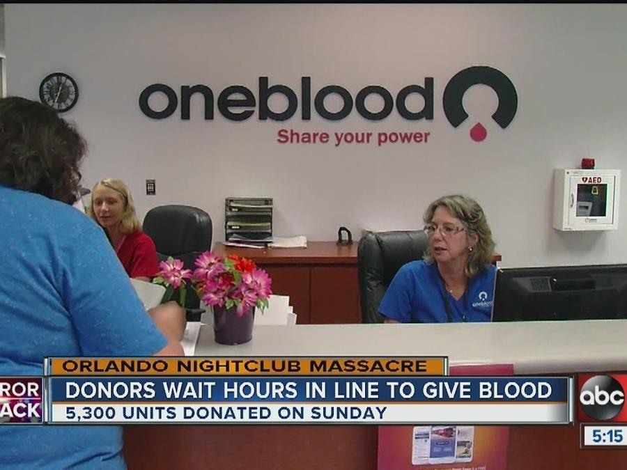 Blood donors wait hours in line to give blood after Orlando's deadly nightclub shooting