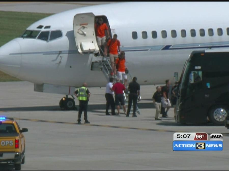 College World Series teams arrive in Omaha