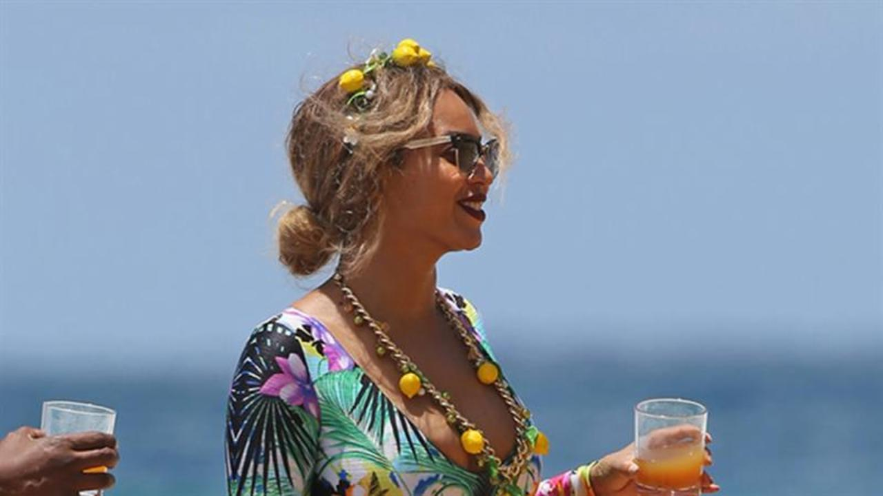 Beyonce Goes on a Hawaiian Getaway With Jay Z