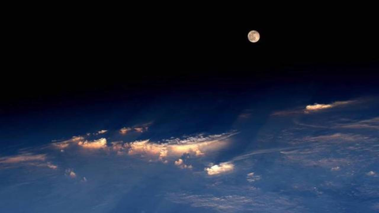 Astronaut Captures Stunning Shot Of Full Moon From Space