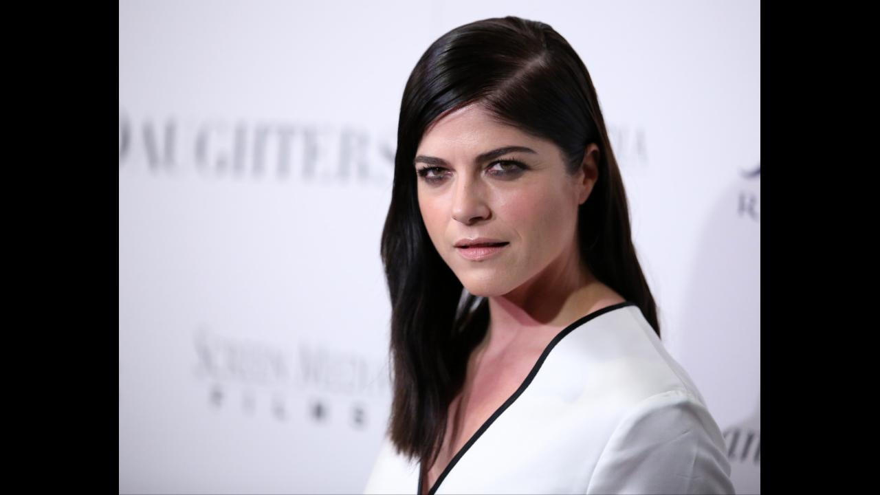 'I'm filled with shame': Selma Blair apologises for in-flight outburst