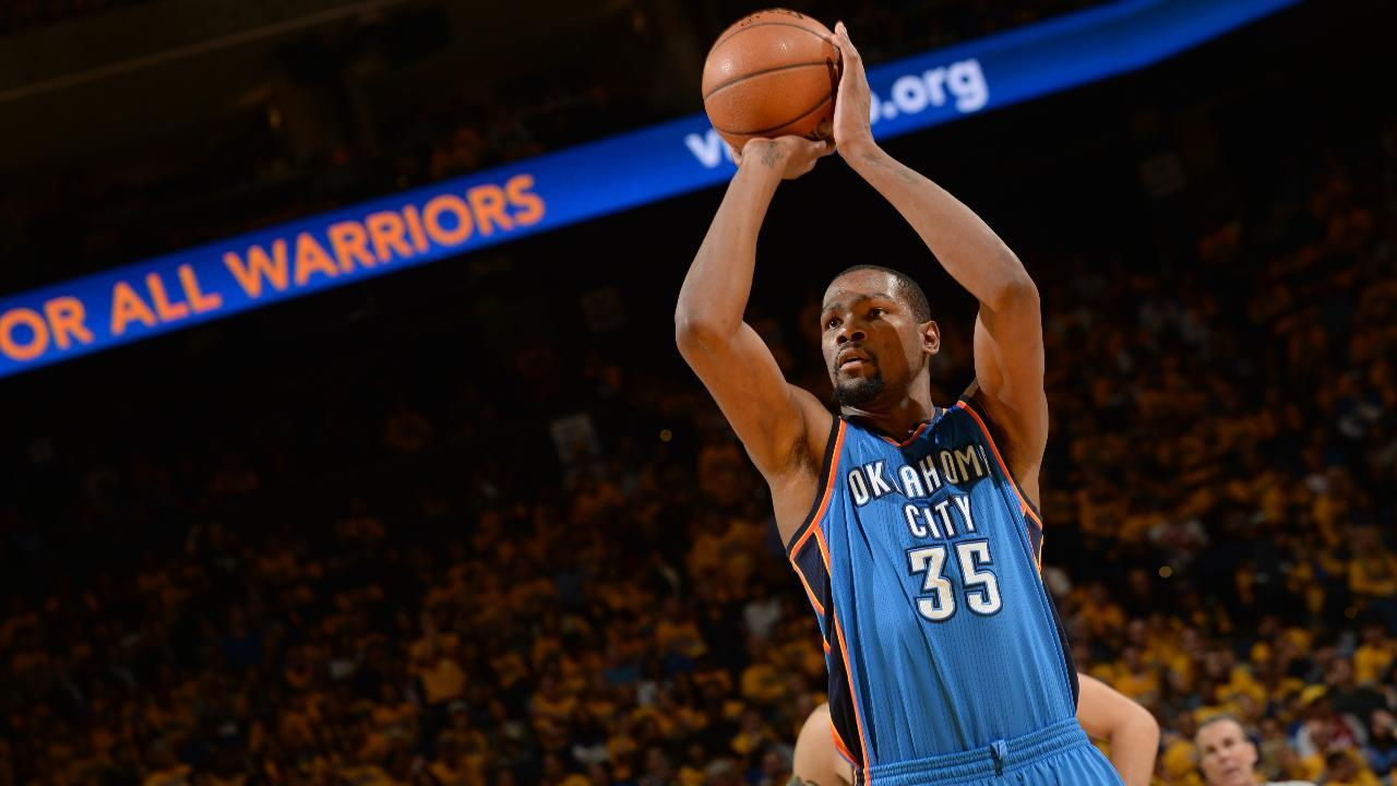 Report: Phil Jackson told Derrick Rose the Knicks will pursue Kevin Durant