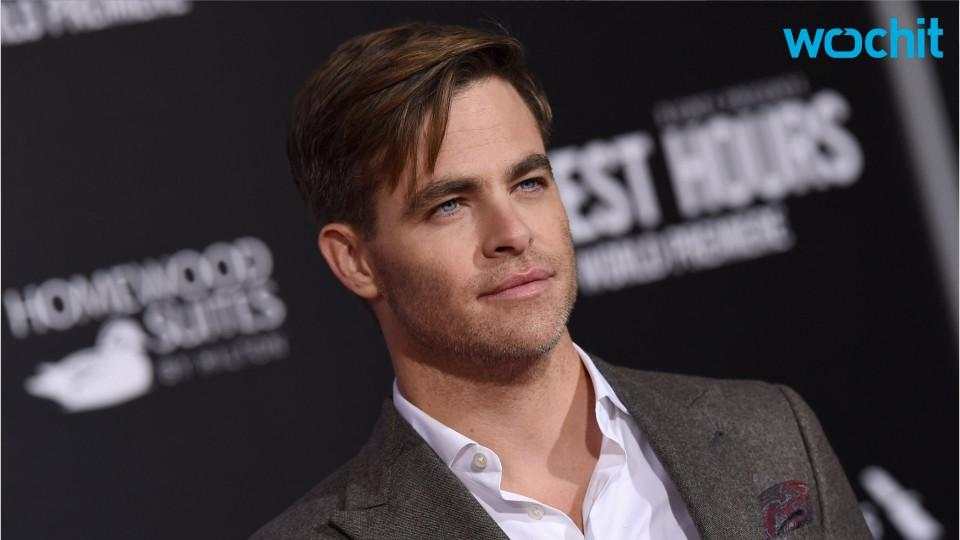 Chris Pine Knocks Superhero Diets