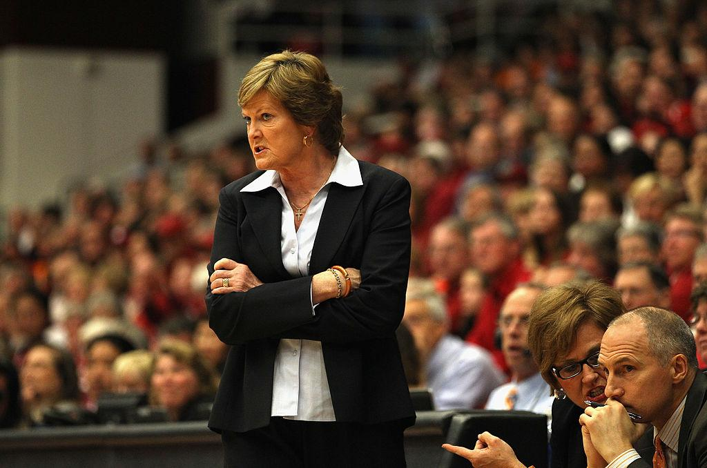 Pat Summitt's family is 'preparing for the worst'