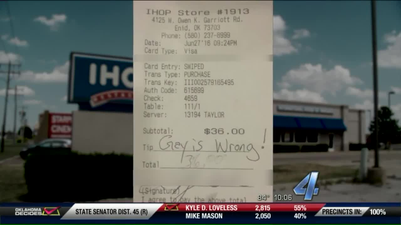 Waitress Says Customer Left Hateful Message Instead of Tip
