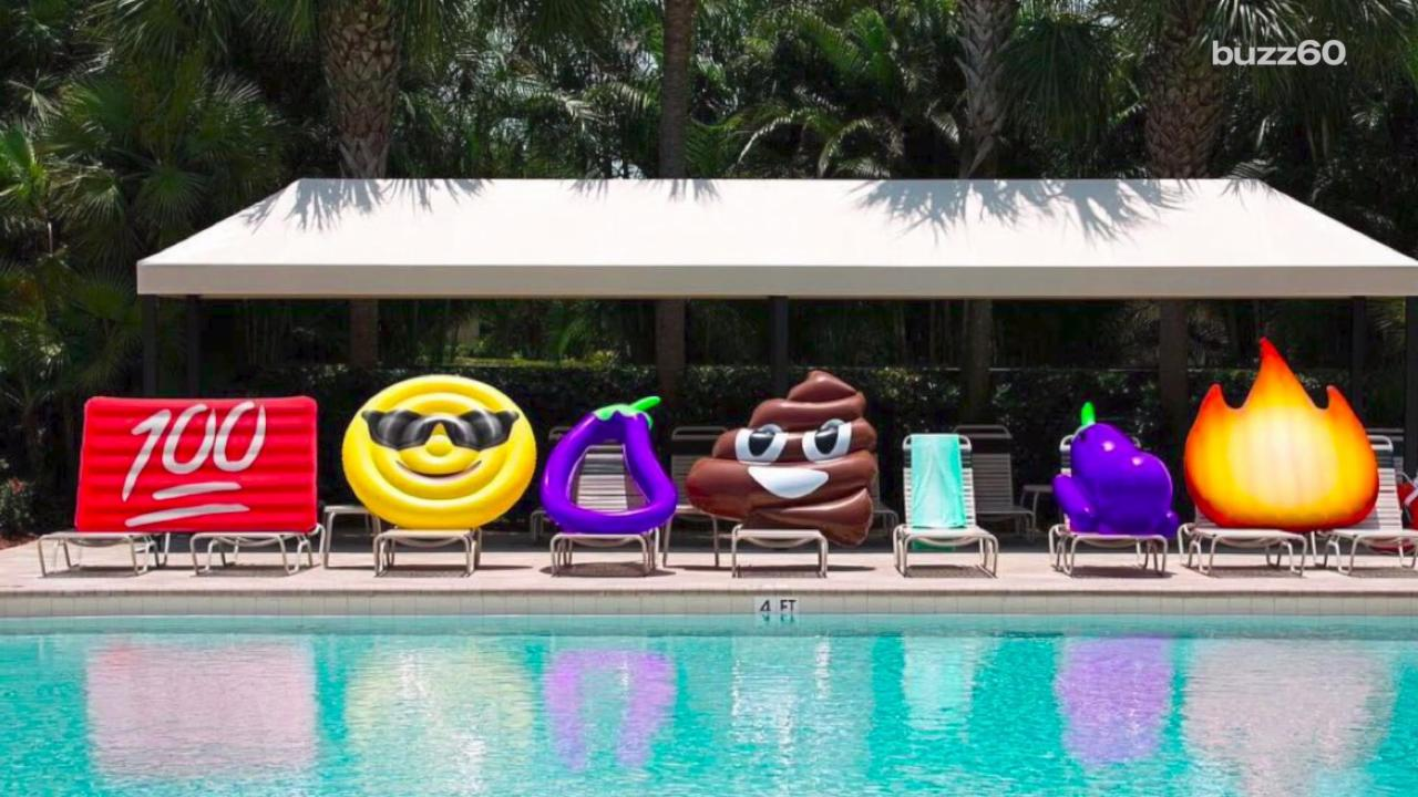 Emoji Pool Floats You Can Have Fun With All Summer