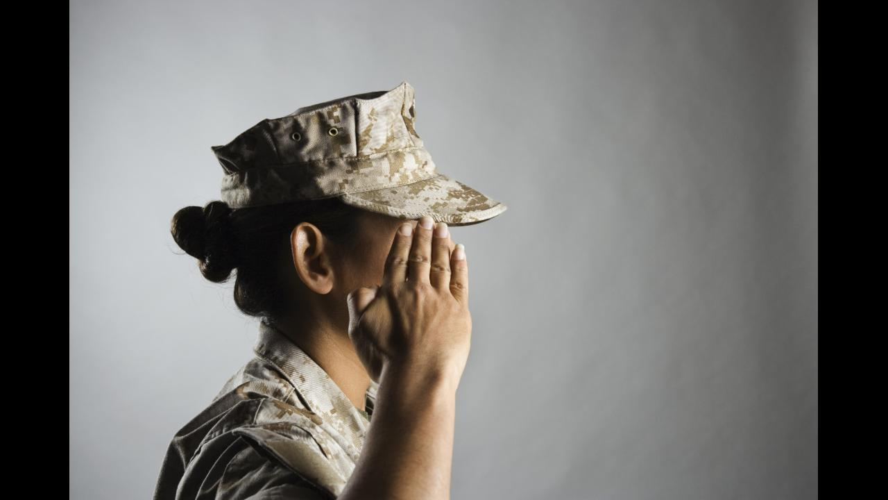 Pentagon lifts ban on transgender people serving in military