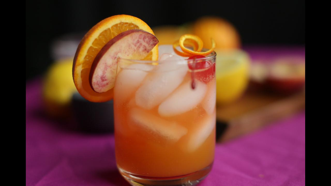 Old Fashioned Kentucky Peach Lemonade
