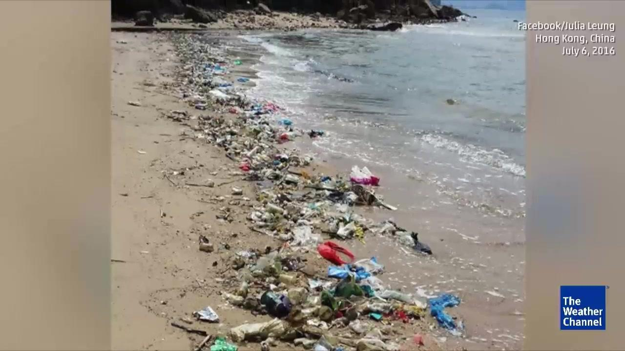 Trashy Hong Kong Beaches