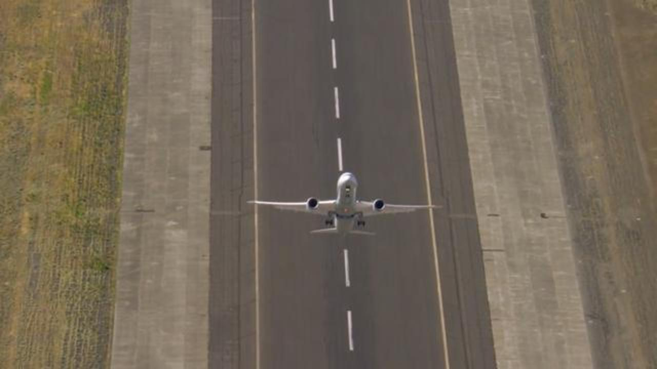 Boeing Commercial Plane Performs Stomach-Churning Vertical Takeoff In Incredible Video