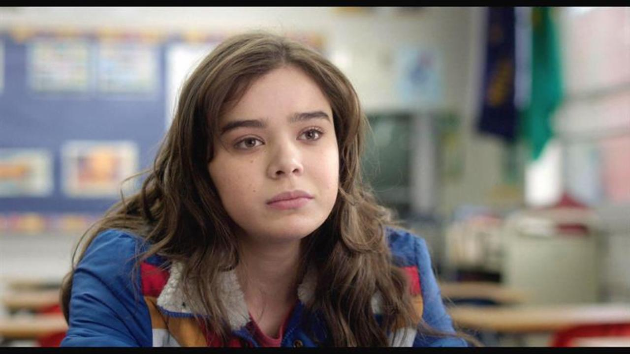 First Look: Hailee Steinfeld In 'Edge Of Seventeen'