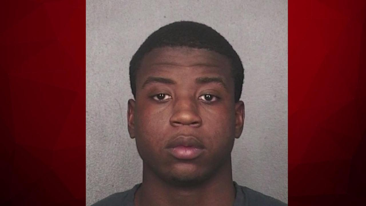 Accused Murderer Escapes from Florida Courthouse