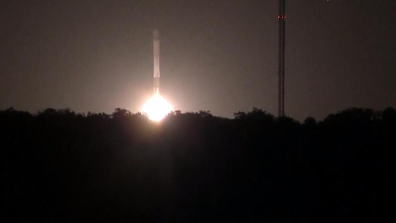 Watch Space X Rocket Make Successful Return Landing