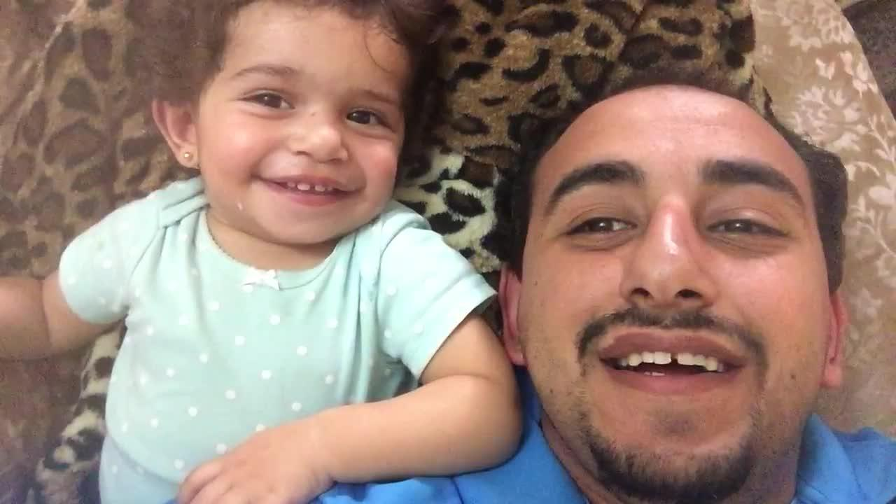 Dad teaches daughter how to beatbox