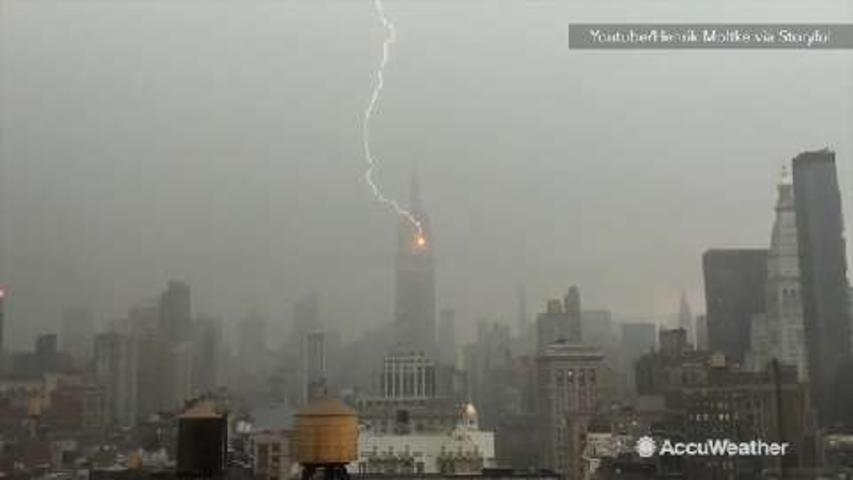 VIDEO: Lightning strikes Empire State Building