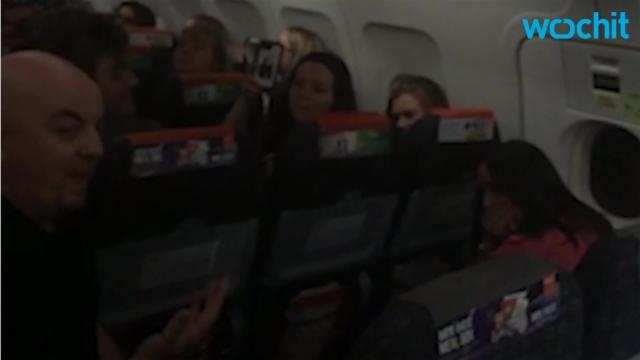 Man proposes to girlfriend on Easyjet flight