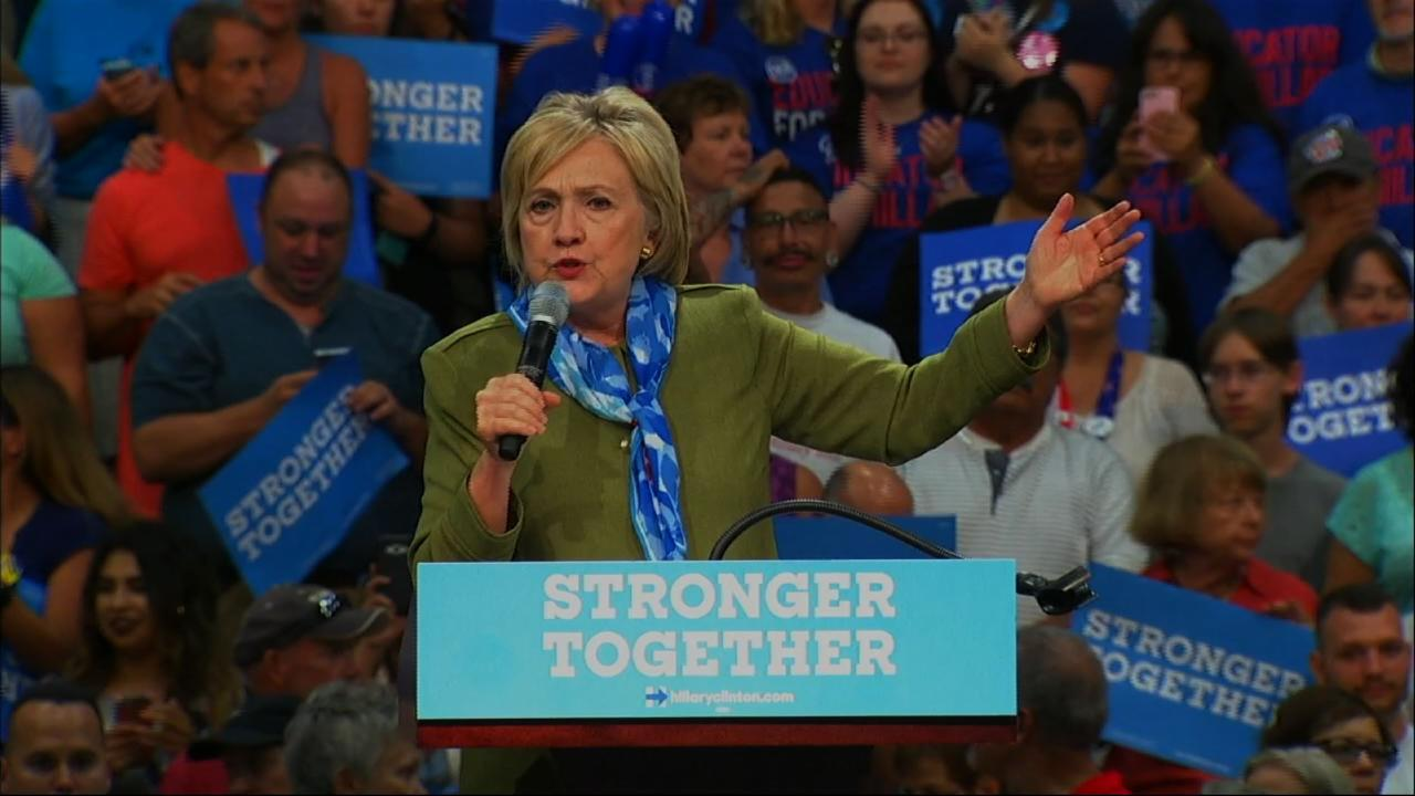 Clinton: I Want to Be President of All Americans