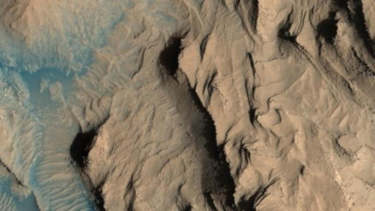 10 Breathtaking Images Of Mars Just Released By NASA