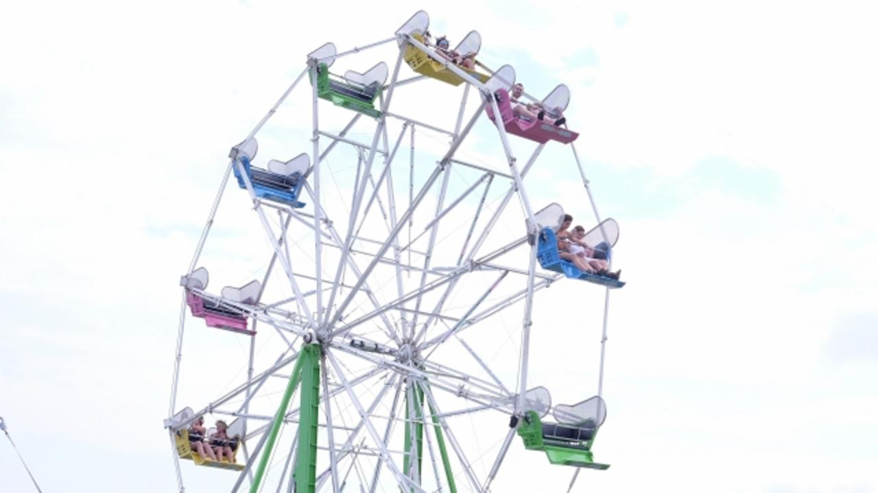 3 Injured After Ferris Wheel Basket Flips at County Fair