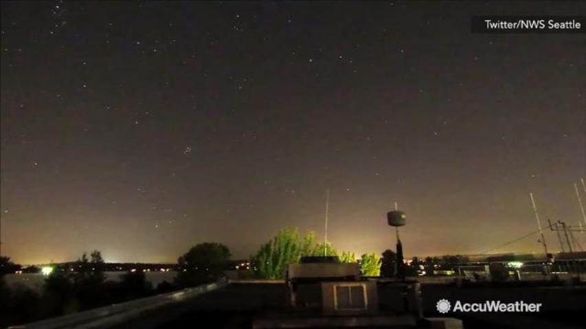 TIMELAPSE: Perseid meteor shower