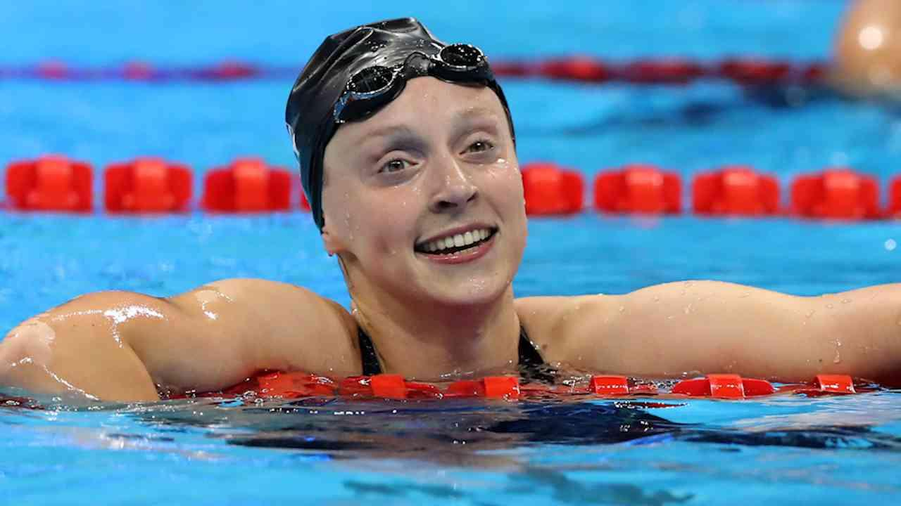AP: Ledecky Adds 4th Gold, Phelps Loses