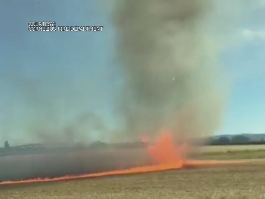 'Firenado' caught on camera in Oregon