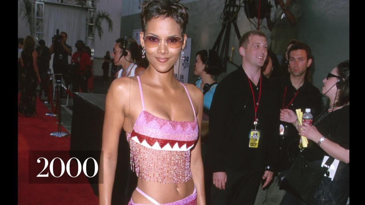 50 Photos of Halle Berry for her 50th Birthday