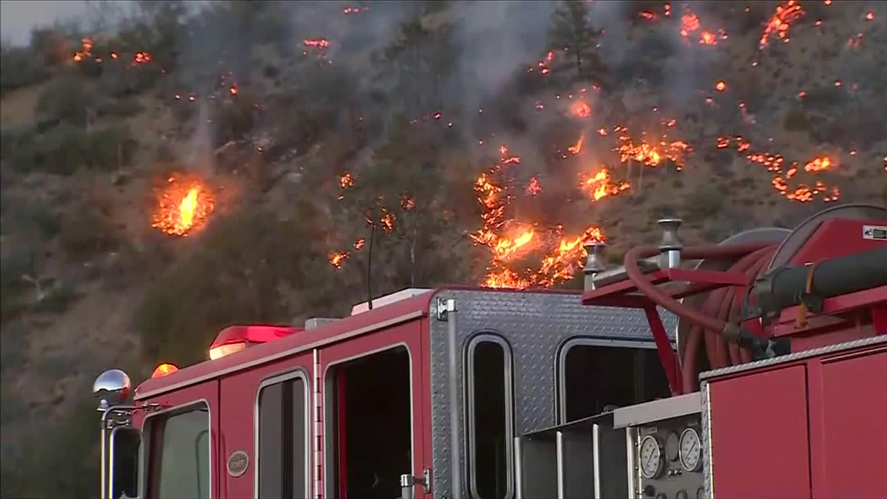 Blue Cut fire rages on in Southern California