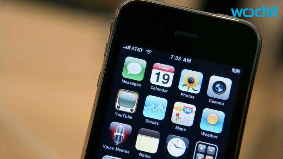 Cyber weapons dealer jumps on iPhone security flaw