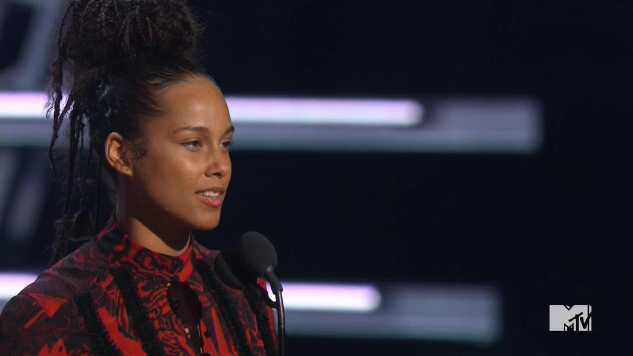 "VMAs 2016: Watch Alicia Keys Perform a Poem in Honor of Anniversary of MLK's ""I Have a Dream Speech"""