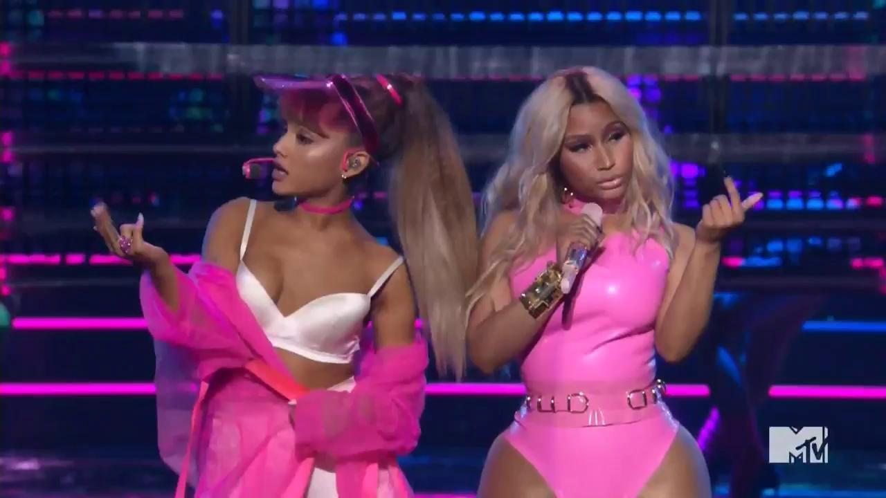 VMAs 2016: Watch Ariana Grande and Nicki Minaj Perform