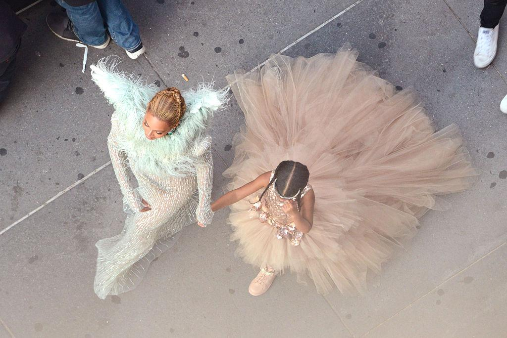 Beyoncé and Blue Ivy hit the MTV VMA Red Carpet