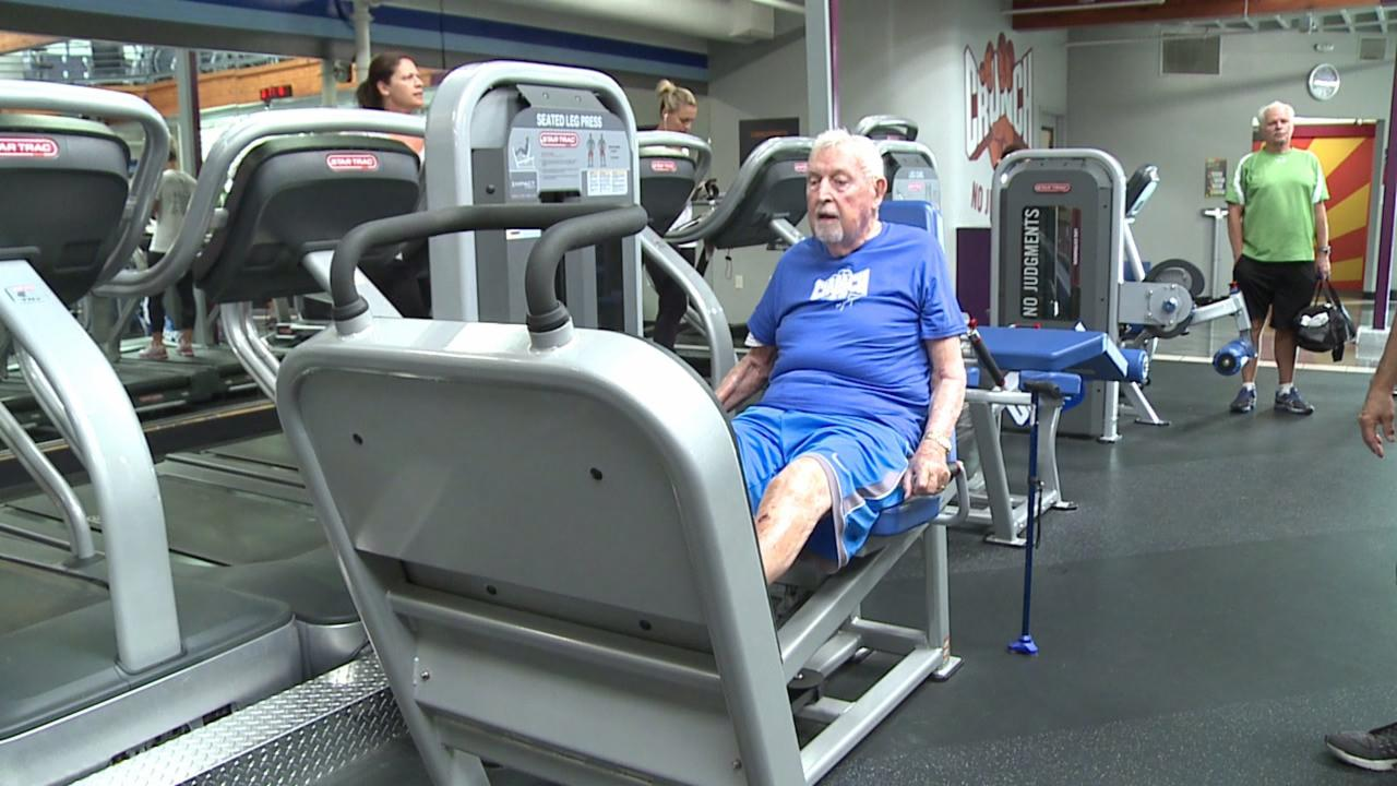 92-Year-Old Man Inspires With Daily Workout