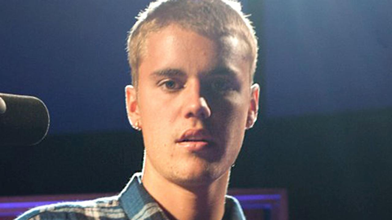 Justin Bieber Apologizes After Super Awkward Interview
