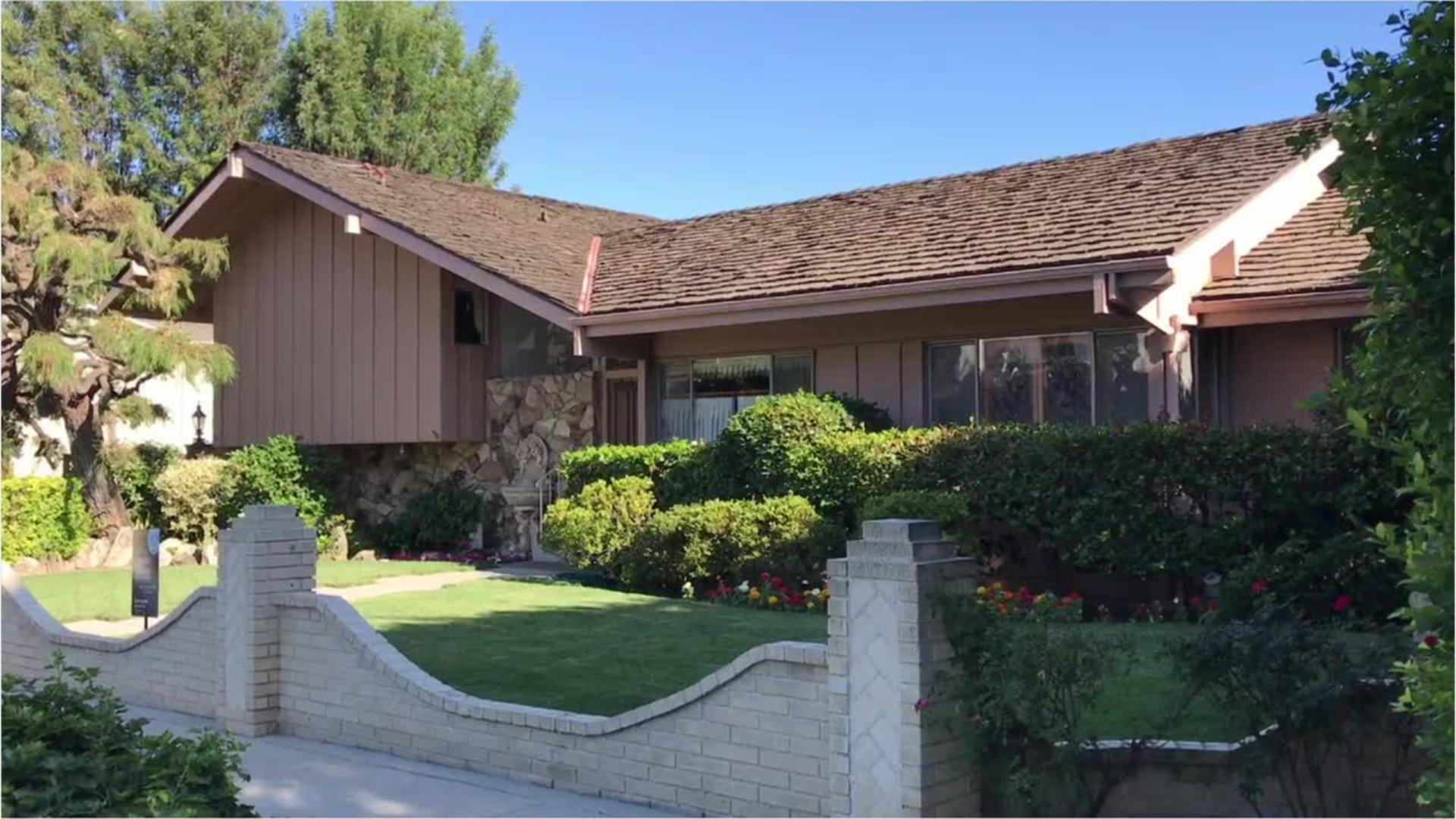 Entertainment - HGTV Buys Brady Bunch Home - Plans on Restoring it to 1970s Glory